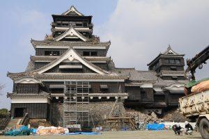 傷ついた熊本城